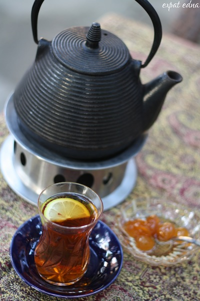 http://expatedna.com/wp-content/uploads/2012/10/2-black-tea-with-jam.jpg