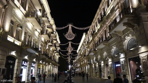 http://expatedna.com/wp-content/uploads/2012/11/Bright-lights-in-Baku.jpg