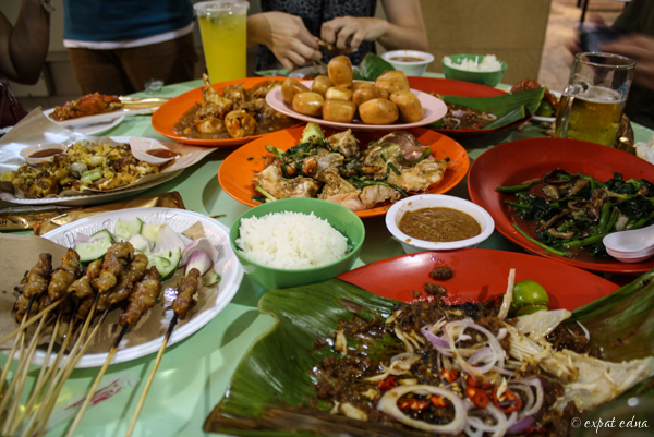 Mattar Road Hawker Center dinner, Singapore by Expat Edna