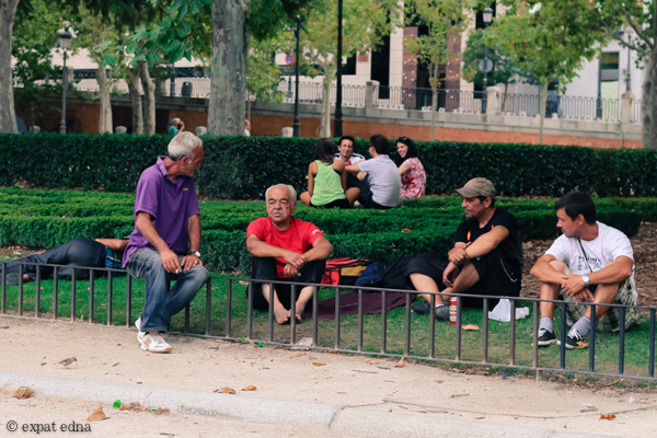 Men in the park, Madrid by Expat Edna