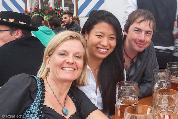 Meeting local German women at Oktoberfest by ExpatEdna.com