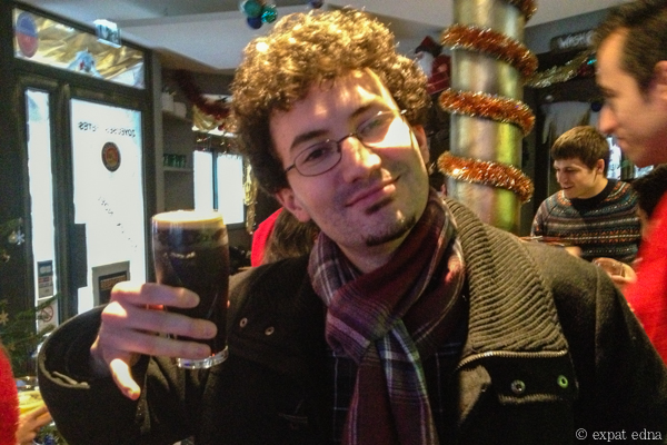 12 pubs of Christmas a Paris - Andy by Expat Edna