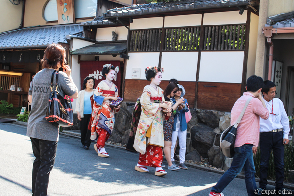 Geishas in Kyoto by Expat Edna