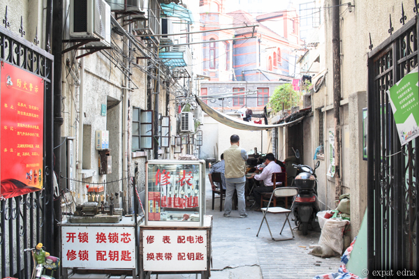 Shanghai alleys by Expat Edna