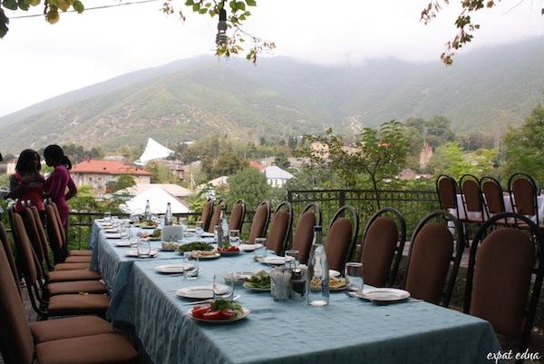 http://expatedna.com/wp-content/uploads/2012/11/A-mountainside-feast-in-Sheki.jpg