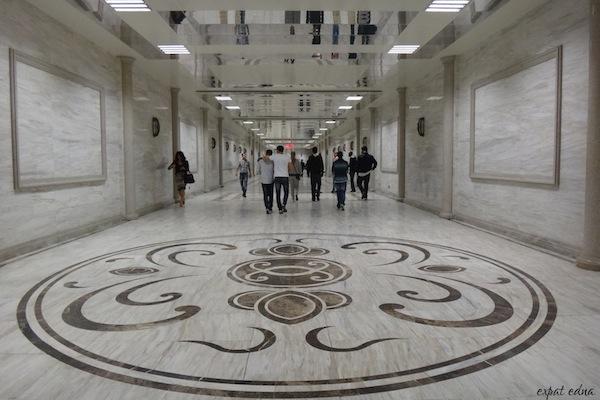 http://expatedna.com/wp-content/uploads/2012/11/Baku-subway.jpg