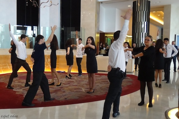 http://expatedna.com/wp-content/uploads/2012/11/Flashmob-at-the-Hilton-Baku.jpg