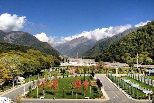 http://expatedna.com/wp-content/uploads/2012/11/View-from-my-hotel-room-in-Gabala.jpg