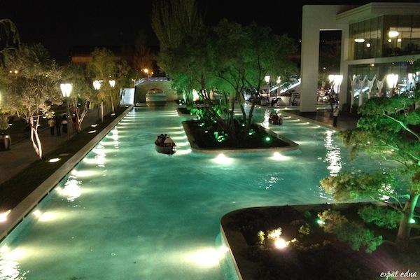 http://expatedna.com/wp-content/uploads/2012/12/Faux-Venice-Baku.jpg