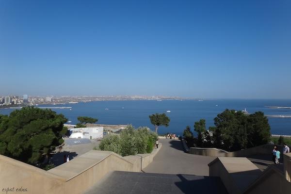 http://expatedna.com/wp-content/uploads/2012/12/View-from-Eternal-Fire-Memorial-Baku.jpg