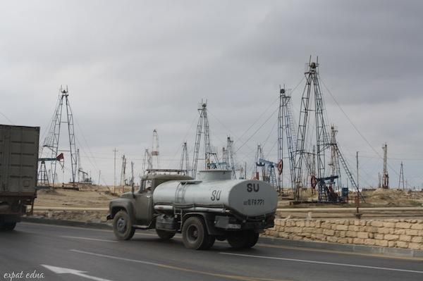http://expatedna.com/wp-content/uploads/2012/12/oil-oil-everywhere.jpg