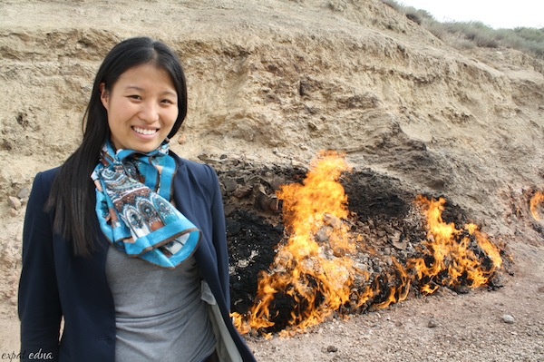 http://expatedna.com/wp-content/uploads/2012/12/who-wears-a-scarf-to-a-fire.jpg